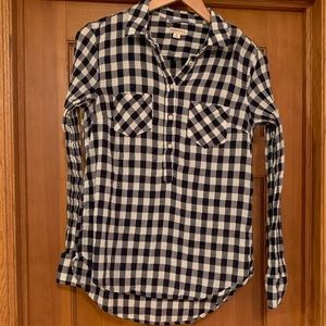 Navy blue + white buffalo plaid lightweight shirt